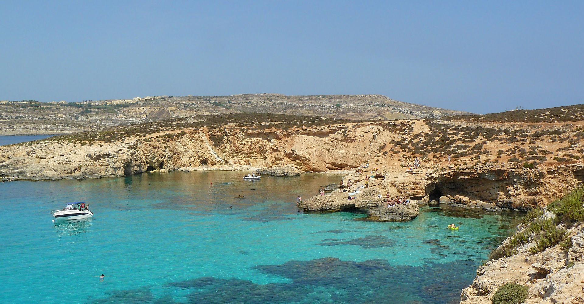 le lagon bleu comino malte