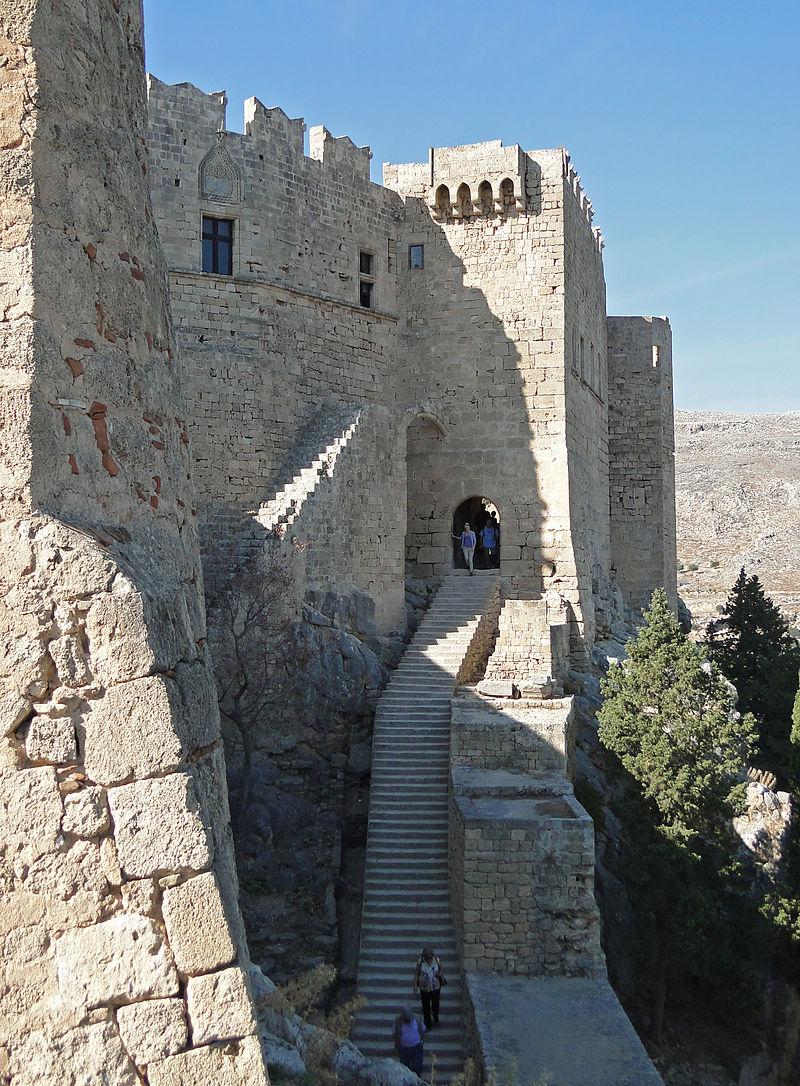 porte medievale de l'acropole