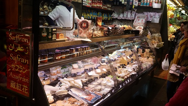 Barcelone mercado de la Boquerilla fromages
