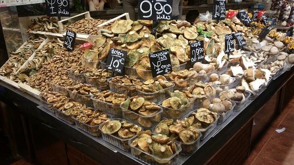 champignons Barcelone mercado de la Boquerilla