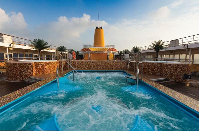 piscine du neoriviera